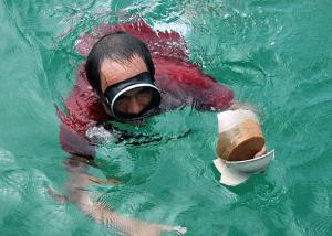 medres700x500_23._fishermen_bringing_more_up_-_img_from_musem-lr_1